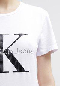 Calvin Klein Jeans - Print T-shirt - bright white - 4
