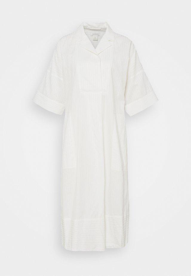 TEXTURED SHIRT DRESS - Sukienka koszulowa - white