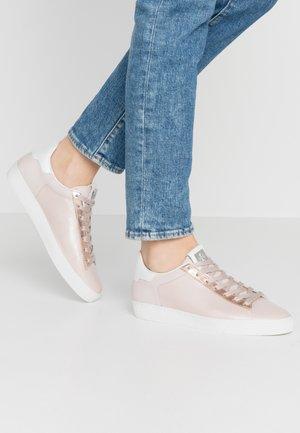 Sneakers - perlato rose