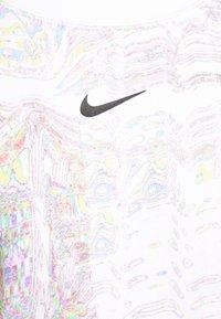 Nike Sportswear - TREND CREW - Sweatshirt - white - 5