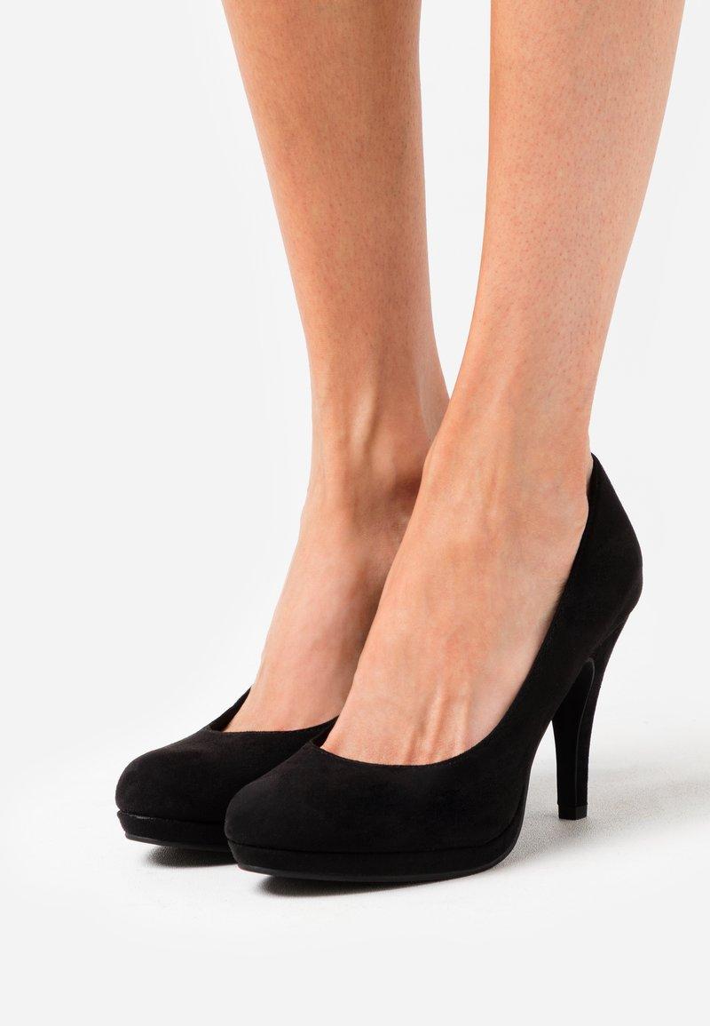 Tamaris - COURT SHOE - Zapatos altos - black