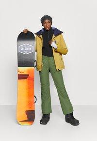 Roxy - PRESENCE - Snowboardjacke - golden rod - 1