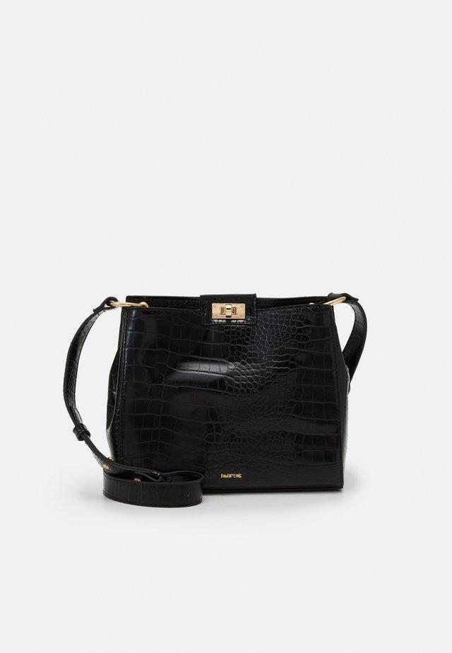 CROSSBAG - Across body bag - black