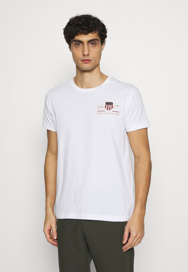 ARCHIVE SHIELD - Camiseta estampada - white
