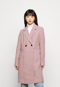 Vero Moda Petite - VMRAMBLA CALA  - Zimní kabát - toadstool - 0