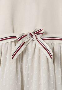 Tommy Hilfiger - COMBI - Vestito di maglina - off-white - 2