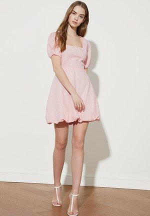 PARENT - Day dress - pink