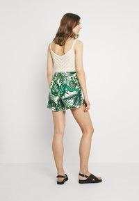 ONLY - ONLNOVA LIFE FRILL - Shorts - offwhite/multicoloured - 2