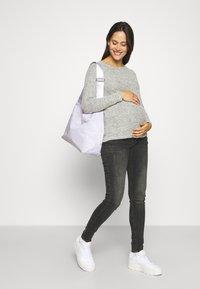 MAMALICIOUS - MLSAVANNA ORGANIC - Jeans Skinny Fit - dark grey denim - 1