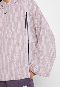 Nike Sportswear - HOODIE - Sweatshirt - platinum violet/taupe haze/black - 4