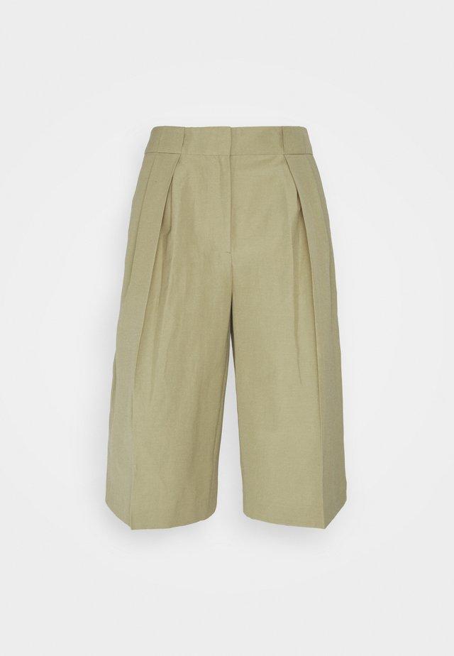 MANGROVE - Shorts - dried thyme