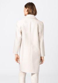 HALLHUBER - Classic coat - creme - 1