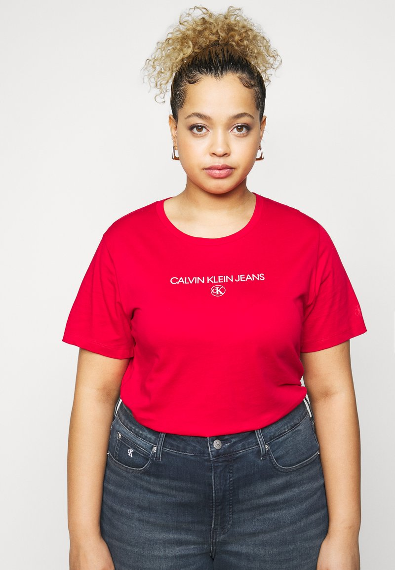 Calvin Klein Jeans Plus - ROUND TEE - Print T-shirt - red