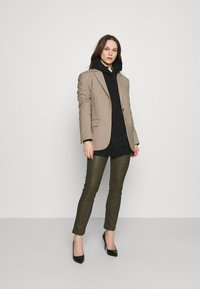 DAY Birger et Mikkelsen - DOGUNA - Leather trousers - deep - 1