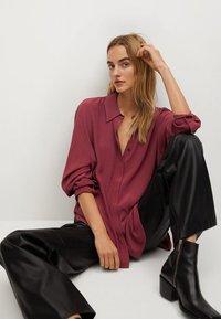 Mango - CEBRA-A - Button-down blouse - maroon - 4