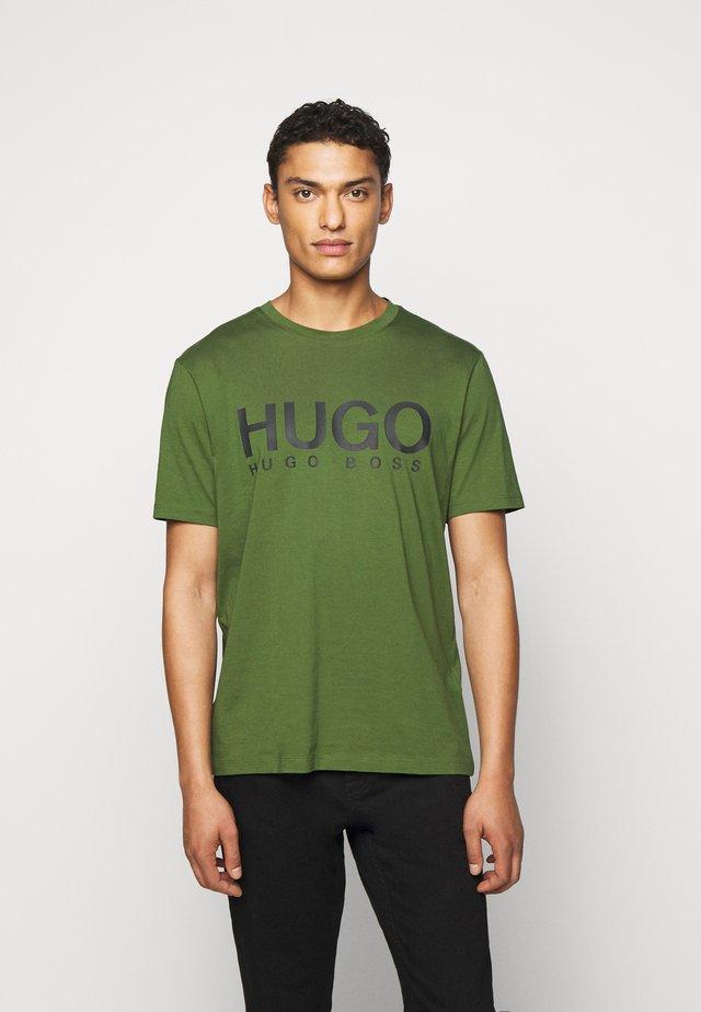 DOLIVE - Print T-shirt - dark green