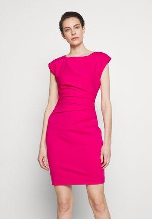 Shift dress - new berry