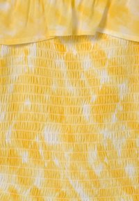 Abercrombie & Fitch - SMOCKED RUFFLE TUBE - Blouse - yellow - 1