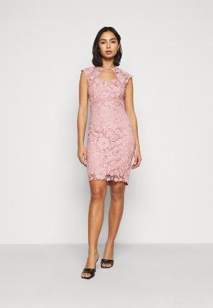 MAZZIE - Cocktailkleid/festliches Kleid - pink