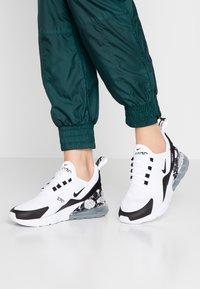 Nike Sportswear - AIR MAX 270 - Tenisky - white/black/metallic silver - 0