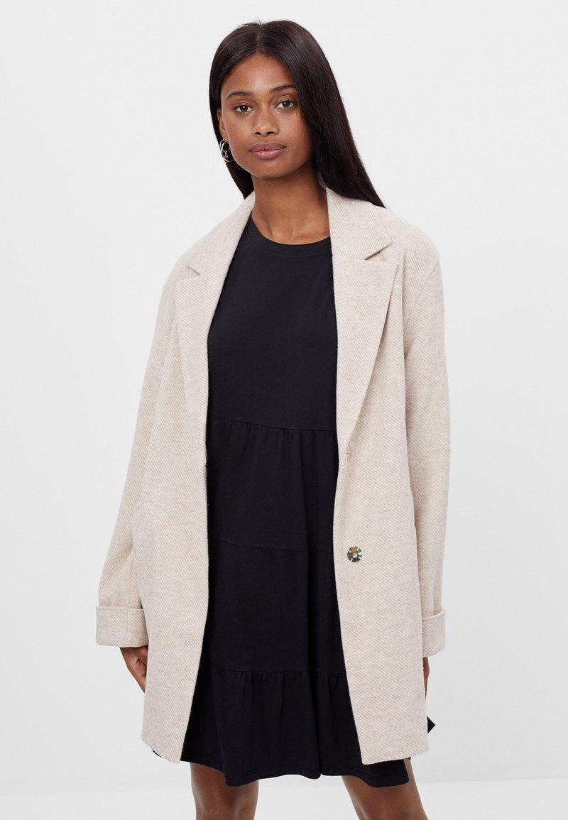 Bershka - Short coat - beige