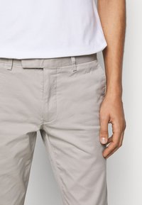 Polo Ralph Lauren - FLAT PANT - Trousers - grey fog - 3