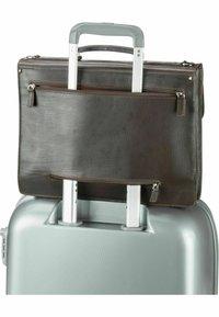 Leonhard Heyden - Briefcase - braun - 7