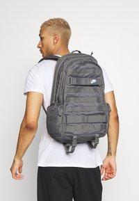 Nike Sportswear - UNISEX - Mochila - iron grey/white - 1