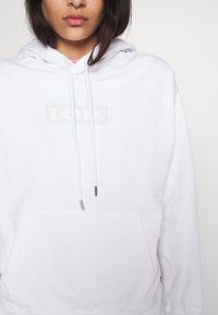 Levi's® - GRAPHIC HOOD - Bluza - white - 4
