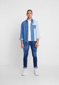 Diesel - TEPPHAR-X - Slim fit jeans - 0095n01 - 1