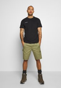 Mammut - CAMIE SHORTS MEN - Friluftsshorts - tin - 1