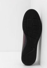Nike Performance - MERCURIAL VAPOR 13 CLUB IC - Indoor football boots - black - 4