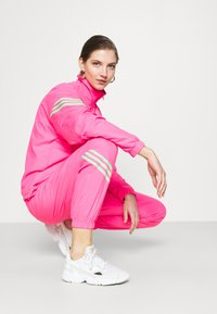 adidas Originals - SWAROVSKI TRACK  - Træningsjakker - solar pink - 3