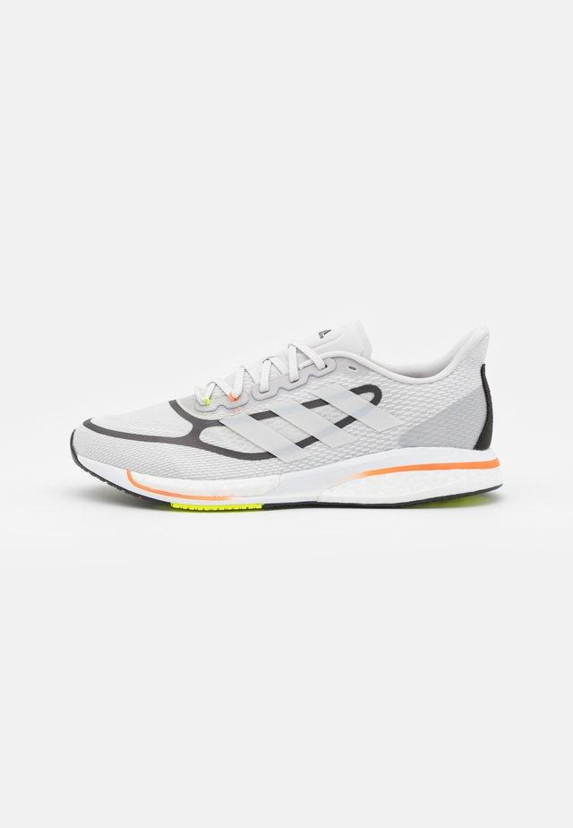 SUPERNOVA  - Neutral running shoes - dash grey/footwear white/screaming orange