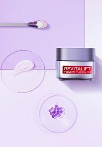 L'Oréal Paris Skin - REVITALIFT FILLER ANTI-AGE DAY CREAM - Anti-Aging - - - 3