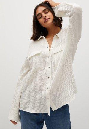 SOBRE - Button-down blouse - weiß