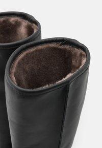 Mis Pepas - Vysoká obuv - black - 5