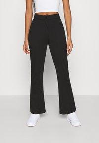 Even&Odd - KICKFLARE BITTON UP TROUSER - Trousers - black - 0