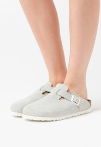 Birkenstock - BOSTON  - Slippers - white - 0