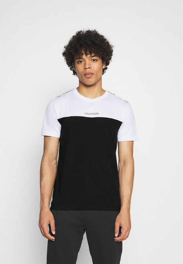 COLOR BLOCK - T-shirt imprimé - white