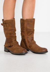 Rieker - Vysoká obuv - nuss - 0