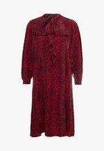 LISBETH - Košilové šaty - red