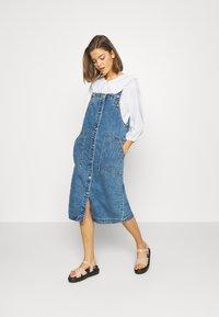 Monki - MARIA DRESS - Denim dress - blue medium dusty blue - 1