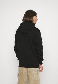 Glorious Gangsta - ZAIAR HOOD - Sweatshirt - jet black/gold - 2