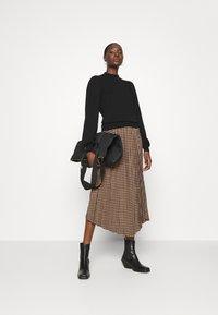 Gestuz - BELLIS SKIRT - Pleated skirt - brown - 1