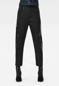 G-Star - X-STAQ 3D BOYFRIEND CROP  CT - Relaxed fit jeans - pitch black - 0