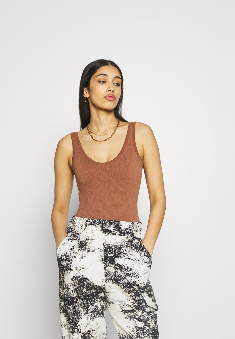BDG Urban Outfitters - DREW SCOOPNECK - Top - chocolate