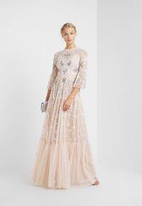 Needle & Thread - DRAGONFLY GARDEN MAXI DRESS - Robe de cocktail - rose quartz - 1