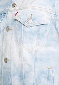 Levi's® - EX BOYFRIEND TRUCKER - Denim jacket - scribble down - 7