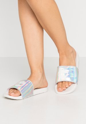 PLAYA SANDS SPORTS SLIDE - Pantofle - white